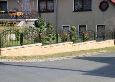 Vertica Mauer Beige-Braun mit schmiedeeisener