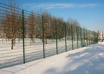 Sport & Ballfangzaun aus Gitter 4m hoch
