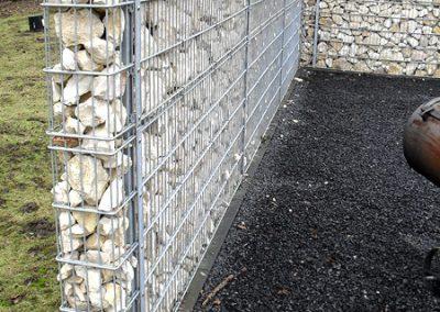 Sicht und Schallschutz Stahlgitter mit Steinfüllung