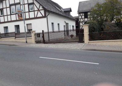 Gala Mauer in rustica Quarz mit Schiebetor